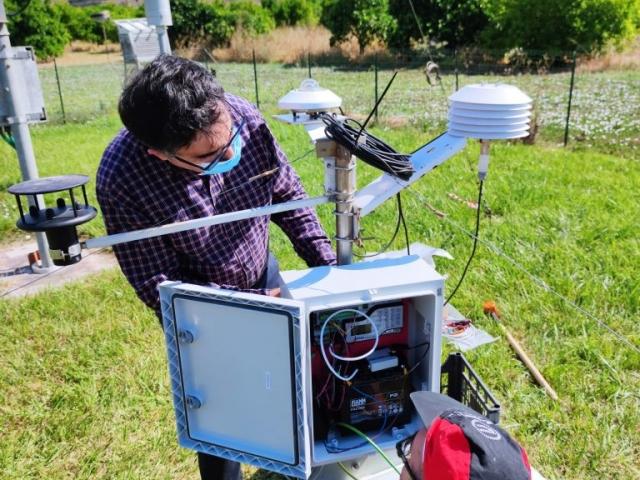 """Lavori di installazione centralina di monitoraggio automatico parametri meteorologici presso l'area studio """"Piana di Catania"""""""